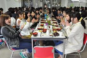 各テーブルで自己紹介(健康栄養学科)