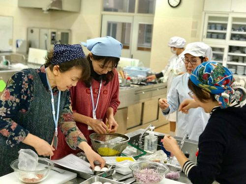 ひとつの料理をいろいろなバリエーションにする方法をお教えしています