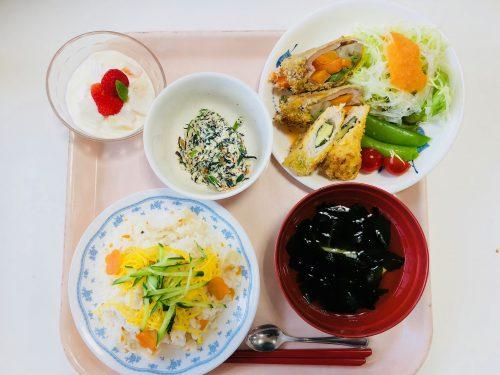 食物栄養専攻2年生による4月の「給食管理実習」メニュー
