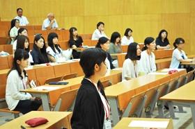 卒業生25名が参加