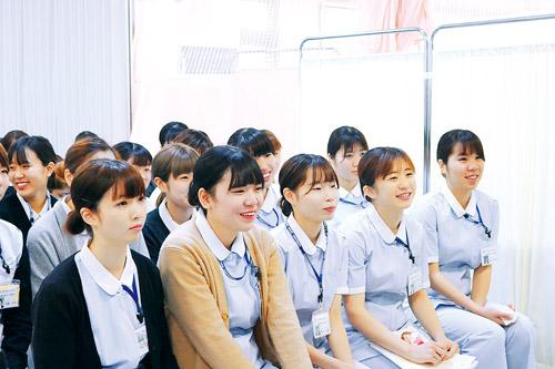 健康生活の支援者としての専門性と人間性を育む教育