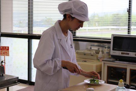 調理技術コンテストを開催