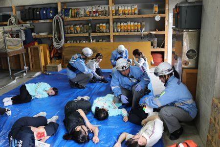 集団救急事故訓練に参加