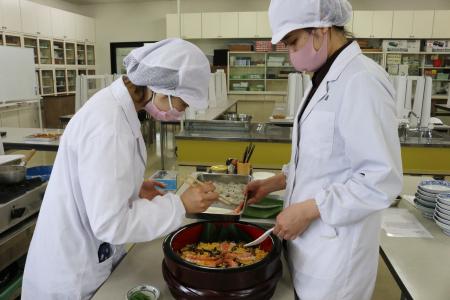 《授業紹介》応用調理学実習~鹿児島の郷土料理~